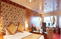 suite with oceanview